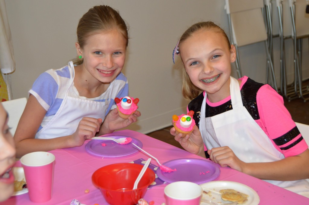 chef-girl-cupcakes